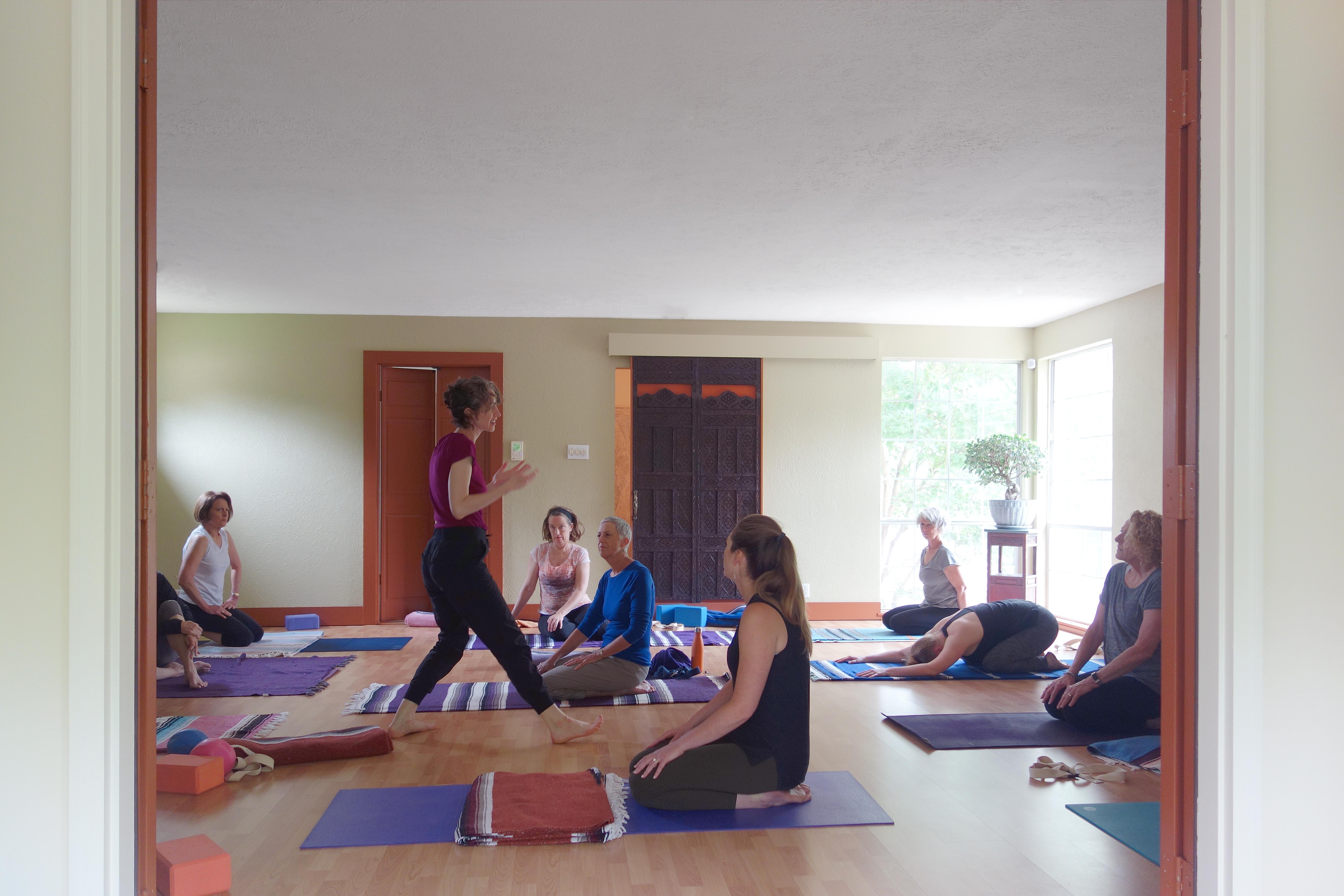 somatic yoga class dallas Jessica O'Keefe demonstrating